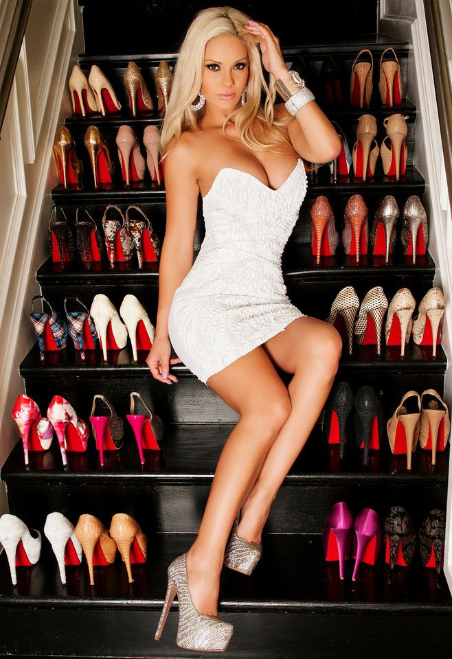 sexy blondes in high heels