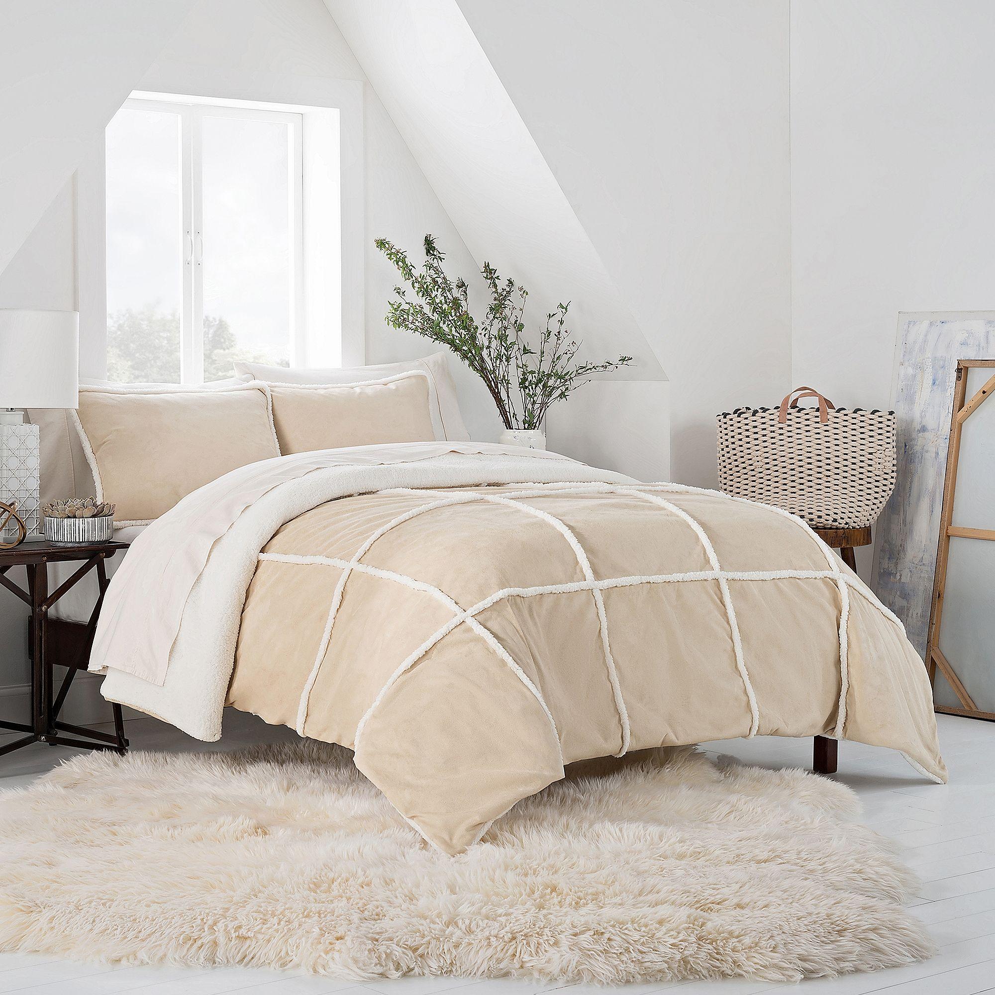 UGG™ Larson Reversible Full/Queen Comforter Set in Birch