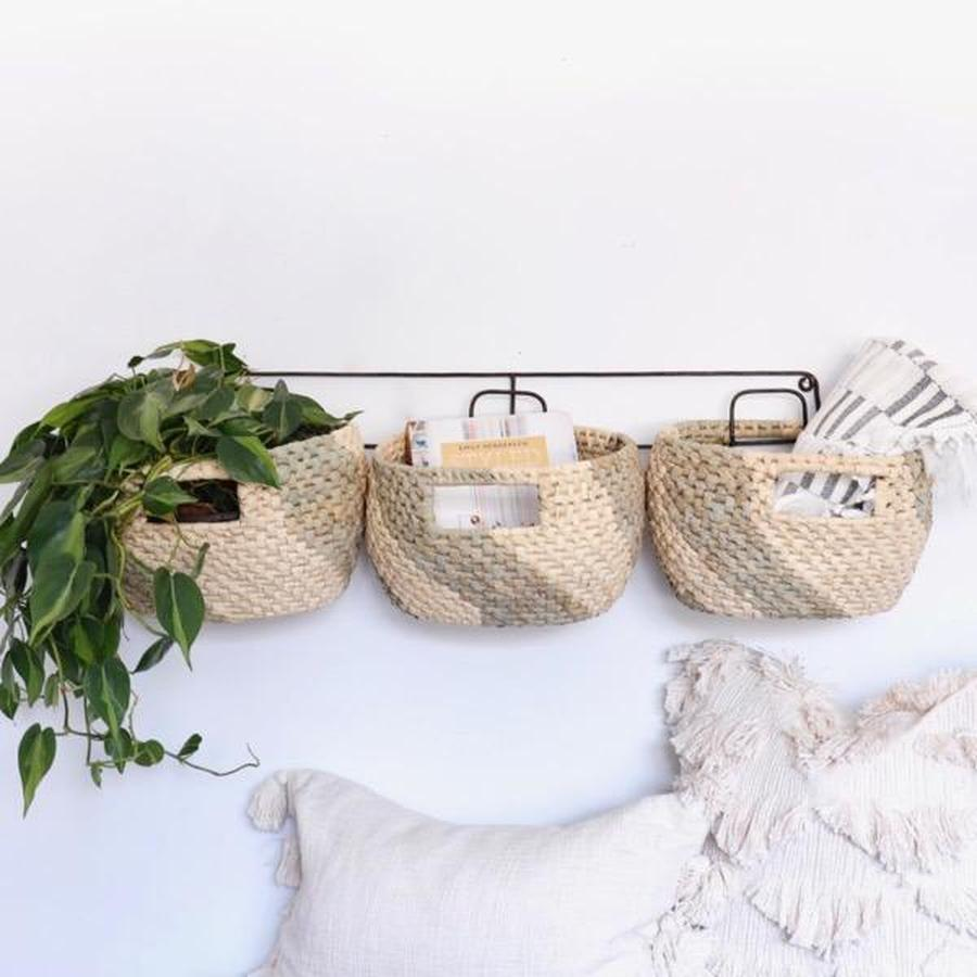 Metal Wall Hanging Rack With Seagrass Basket Trio In 2020 Hanging Wall Baskets Wall Hanging Storage Metal Wall Hangings