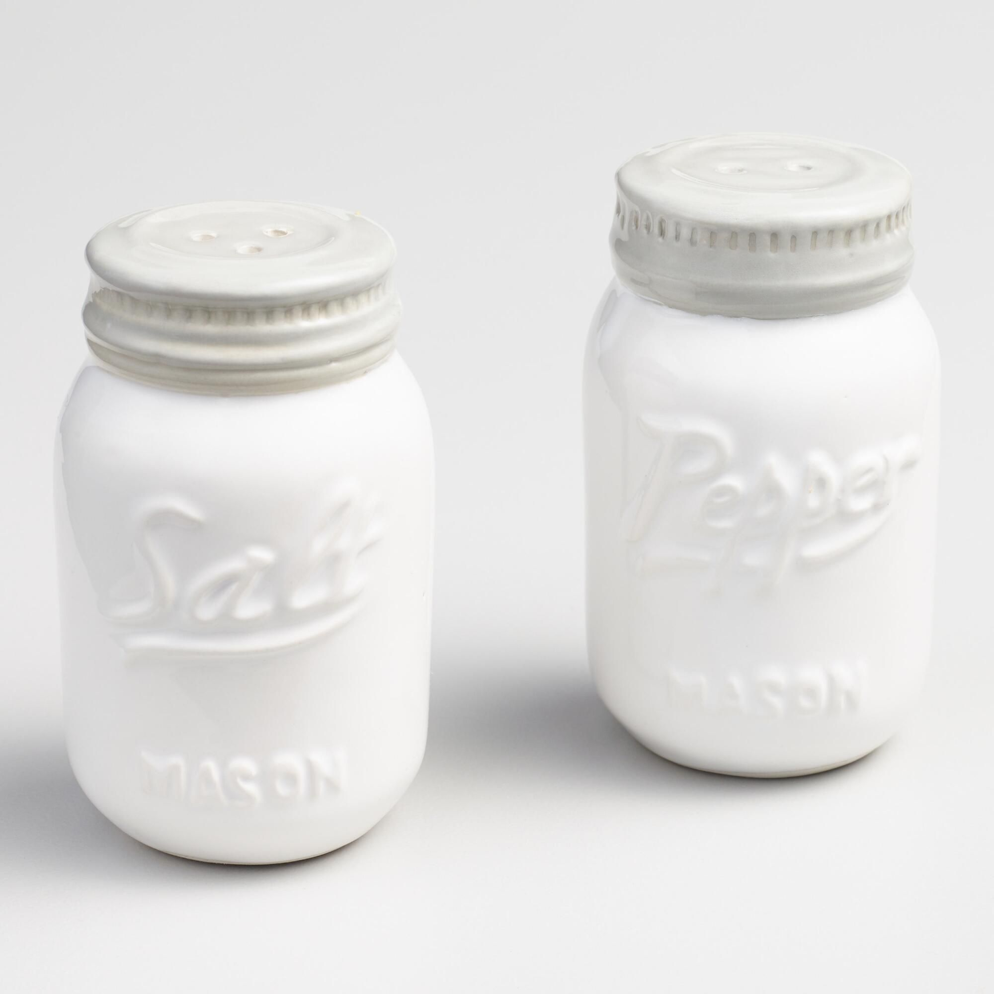 A Great Retro Chic Gift For Collectors Our White Mason Jar Salt And Pepper Shakers Add A Vintage Inspired Look To The Tabletop Www Worldm Mason Jars Mason Jar Kitchen Salt Pepper