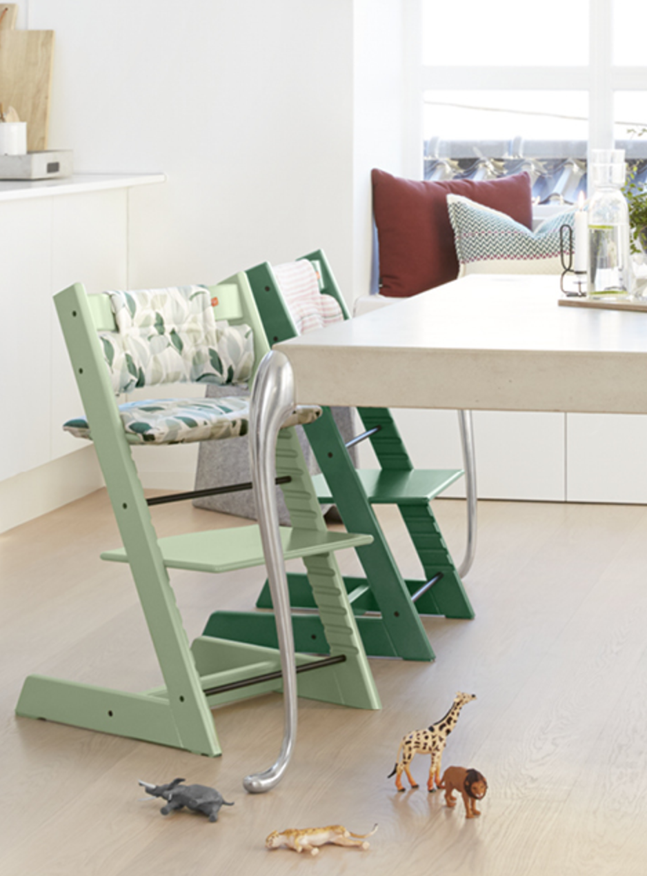 The Tripp Trapp High Chair By Stokke Is One Of The Most Versatile Wooden High Chair World Market Dining Chairs Leather Dining Room Chairs Brown Leather Chairs