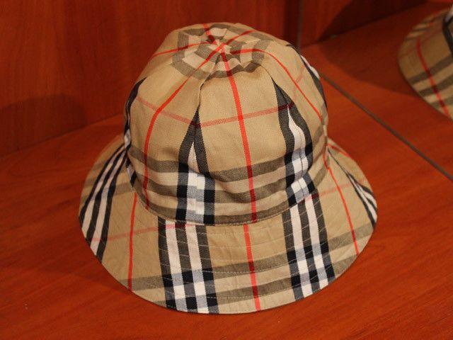 4626881de2d Unisex Vintage BURBERRY Nova Check Bucket Hat cap - Beige reversible XS - S   BURBERRY  Bucket