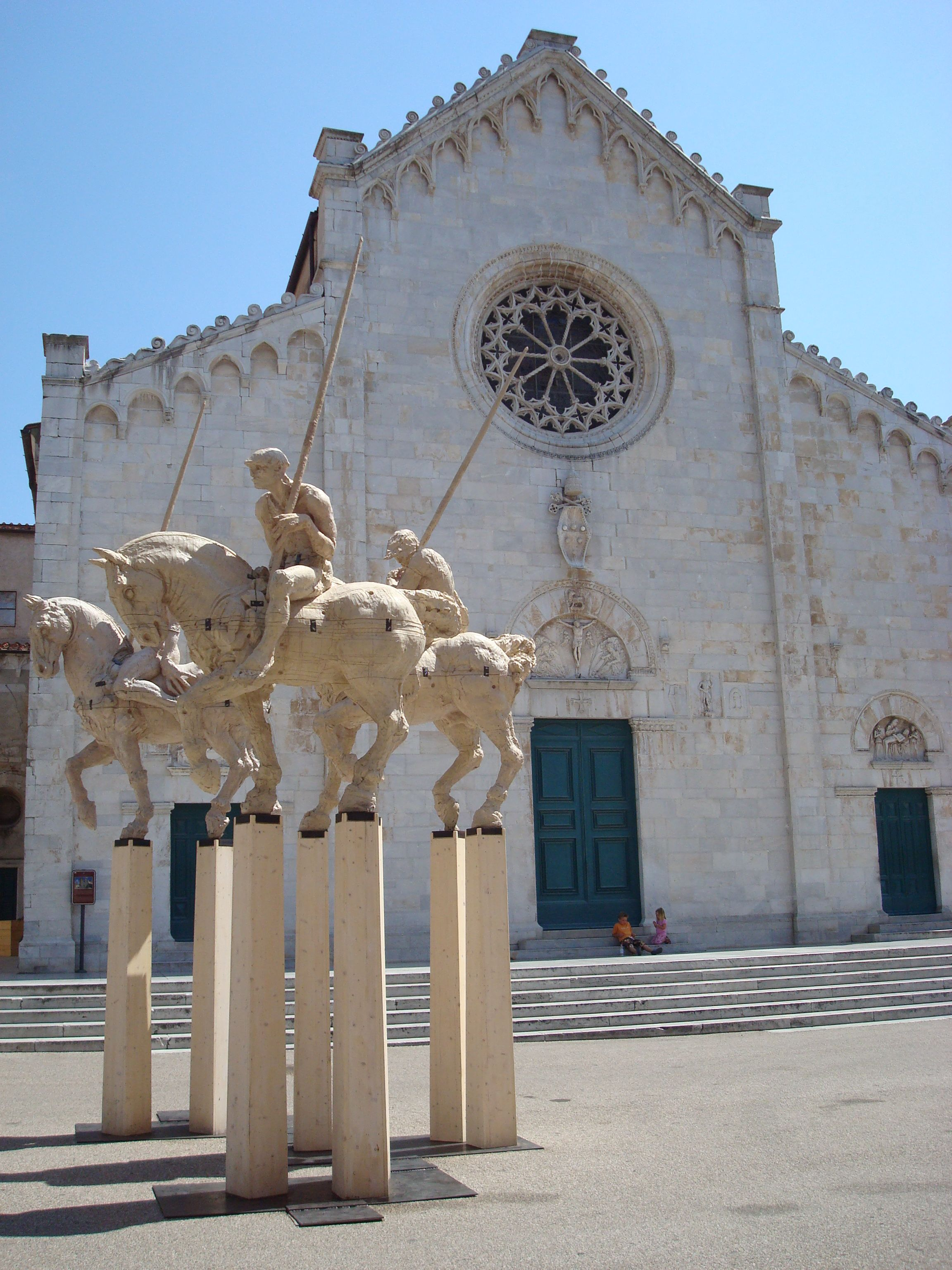 Marina di Pietrassanta Tuscany Italy SACI field trips include Pietrasanta on the