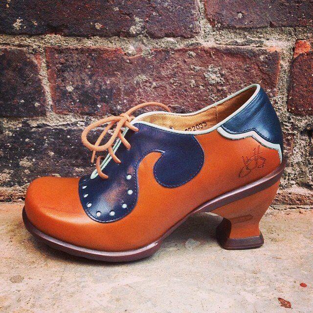 Viv (Brown & Orange)