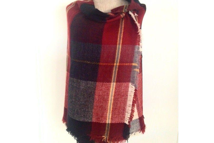 a7c92c74d2c9 Le tartan rouge à motif écossais, chic et intemporel !
