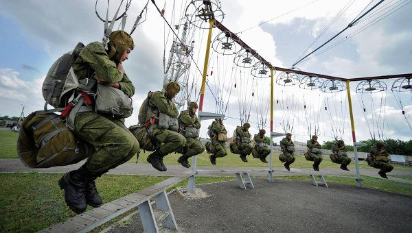 Шойгу: ВС РФ в 2016 году гарантированно обеспечат безопасность страны | РИА Новости