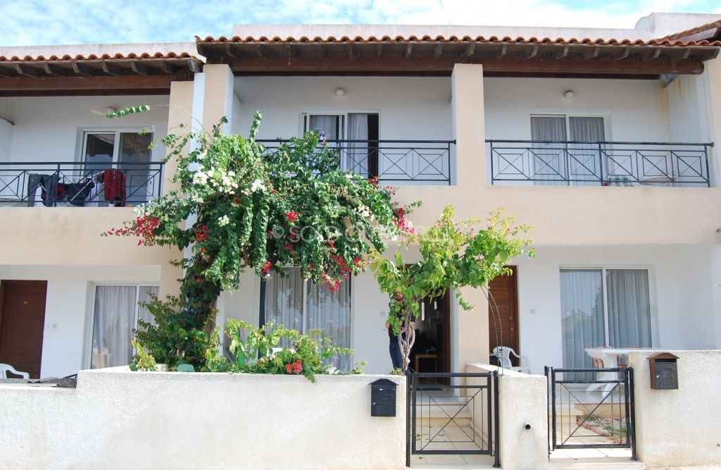 Just Added Ref 3314 2 Bedroom Townhouse For Sale In Chloraka Soldoncyprus Soc Townhouse Paphos Cyprus Chloraka Property Property For Sale Townhouse