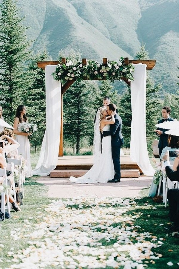 20 brilliant ideas to have a mountain wedding wedding ceremony 20 brilliant ideas to have a mountain wedding junglespirit Images