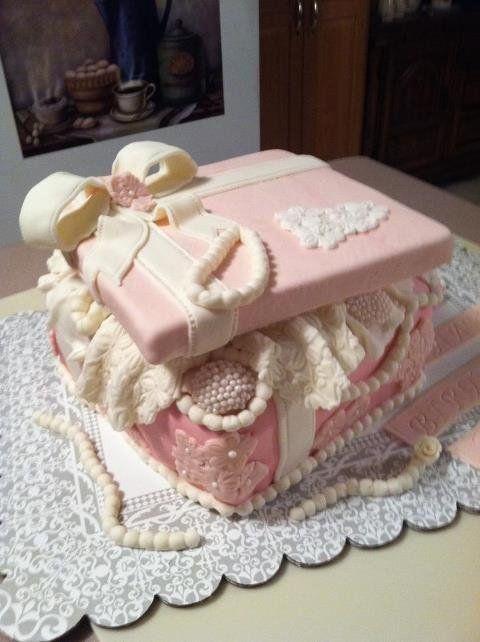 Pink Cake Box - by Patty Cake's Cakes @ CakesDecor.com - cake decorating website