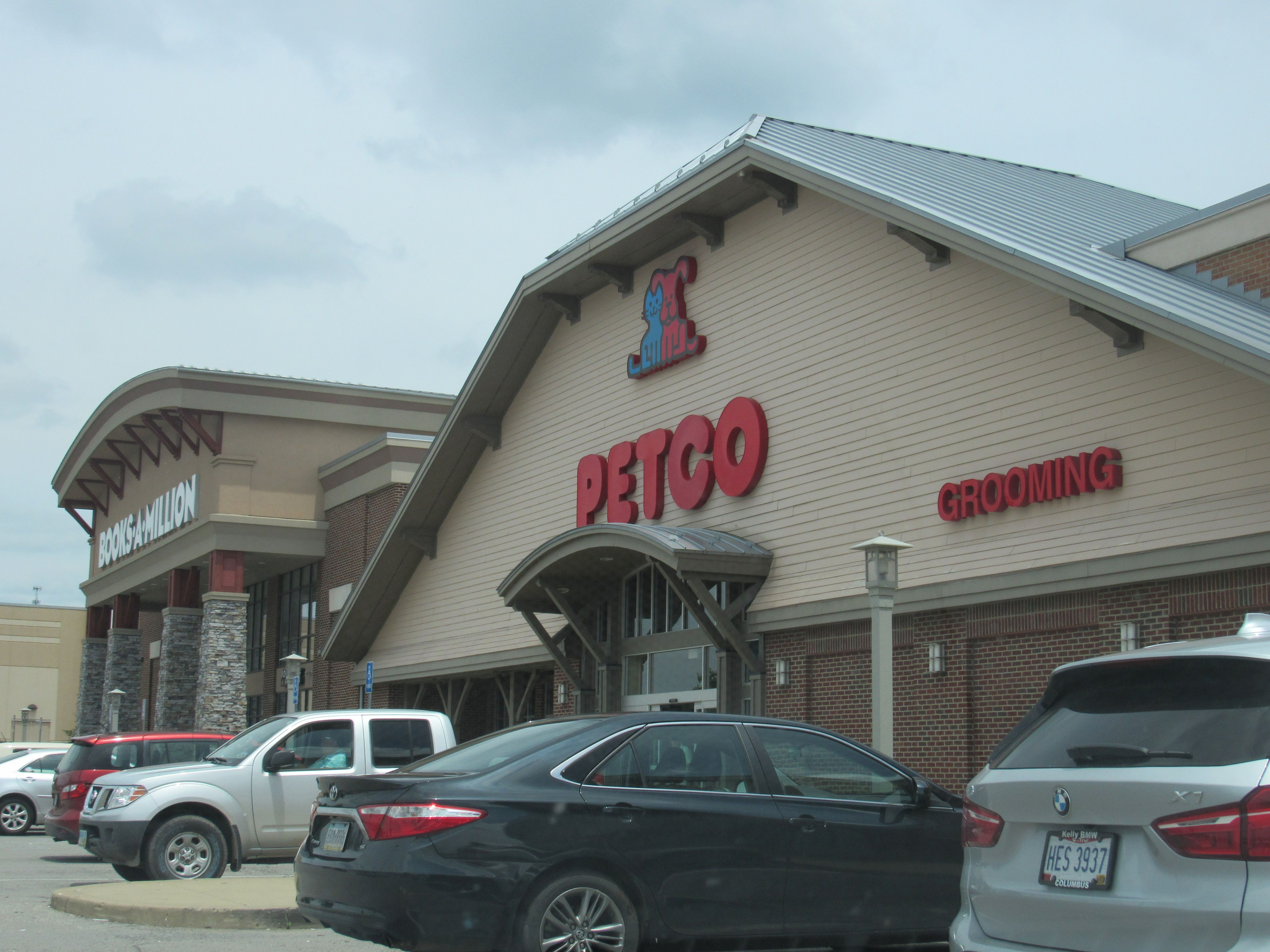 Petco At The Highlands All Your Pet Needs From Food To Toys Dog Food Recipes Cat Food Food