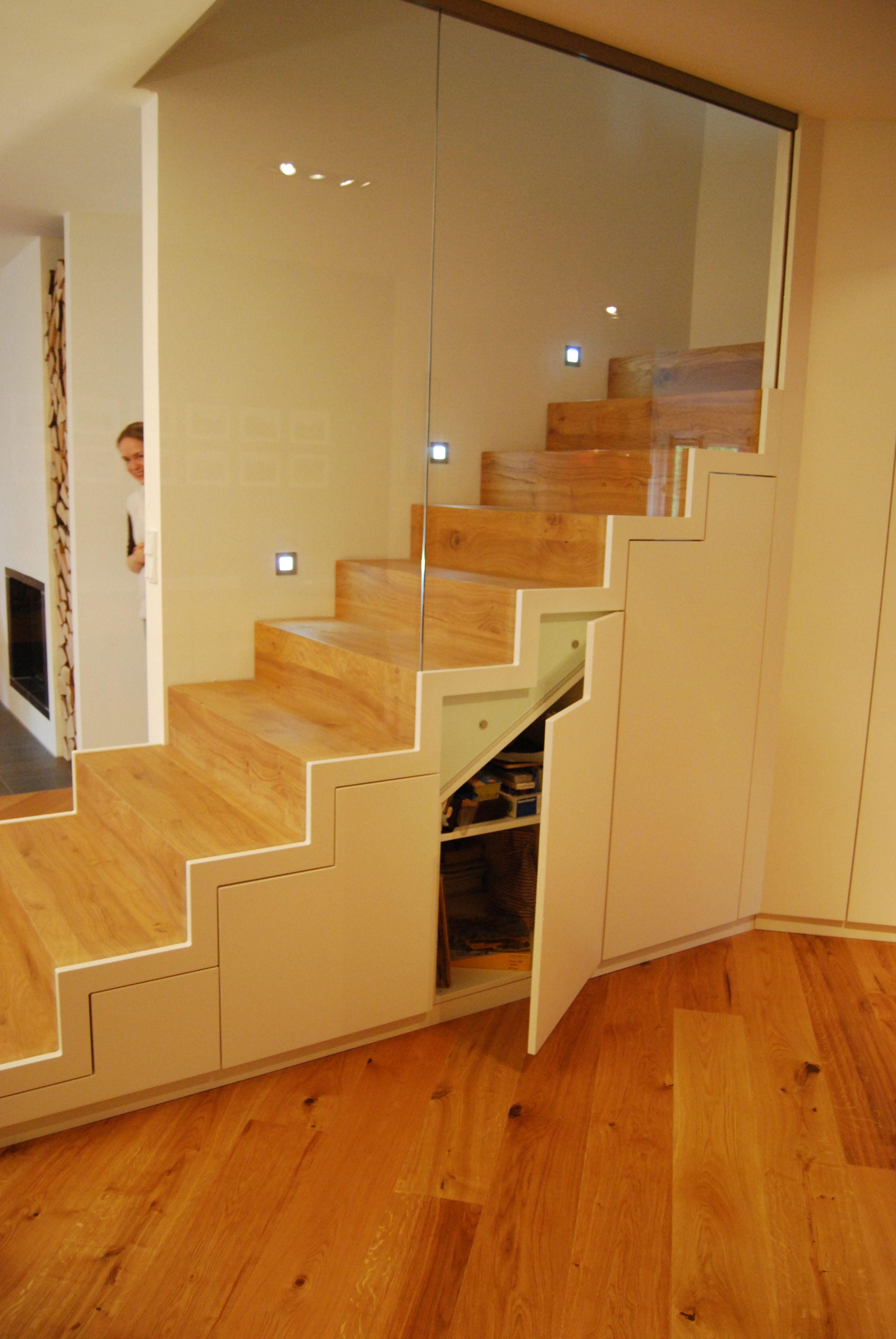 Massgefertigte Schrank Treppe Aus Holz Mit Glaswand Was Mir Gefallt
