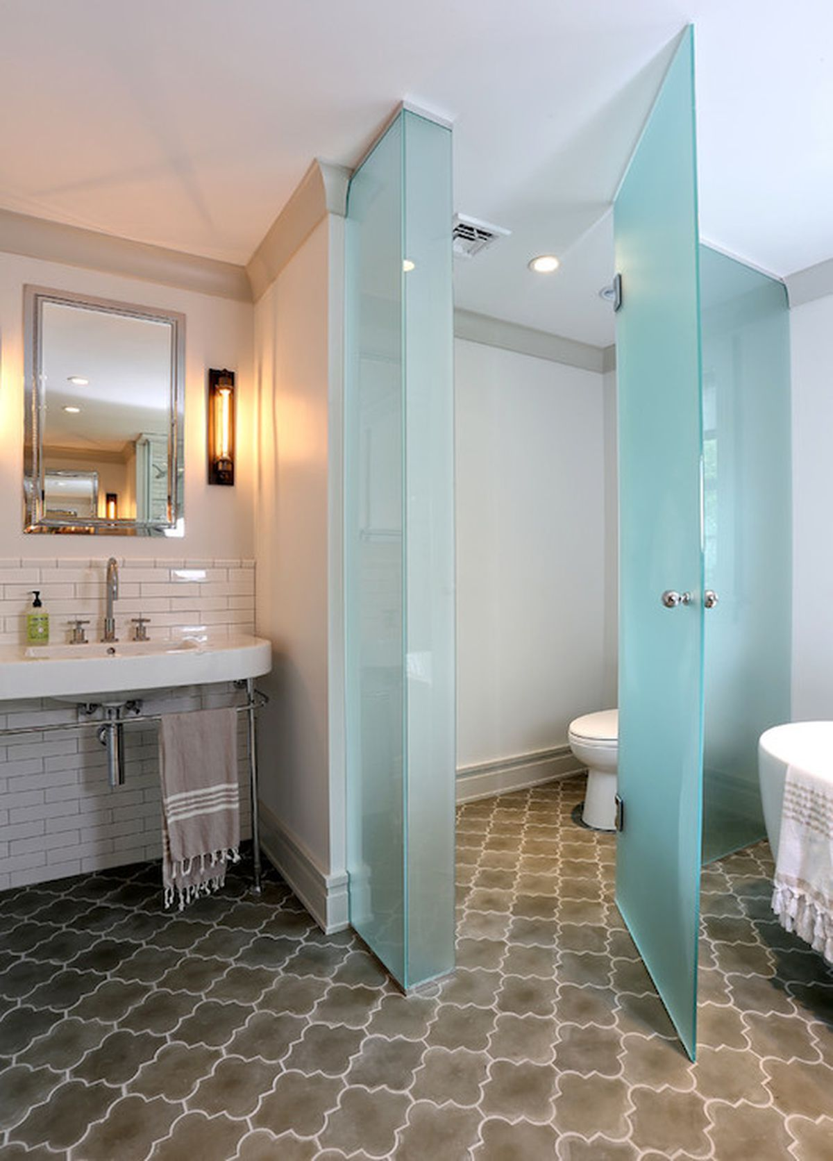 Like This Frosted Glass To Separate Toilet Bathroom Layout