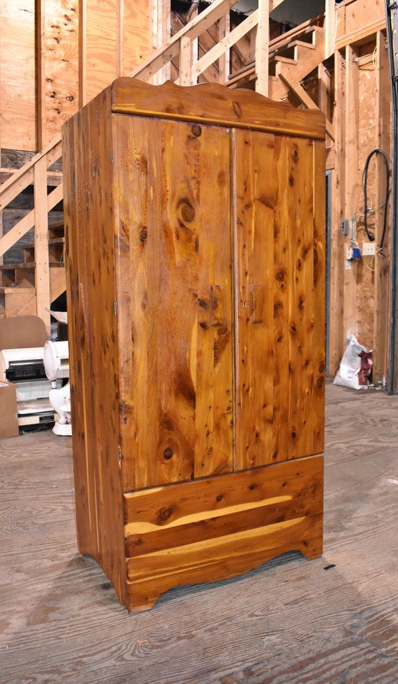 Antique Kincaid Robes 1940\'s Red Cedar Bedroom Closet ...