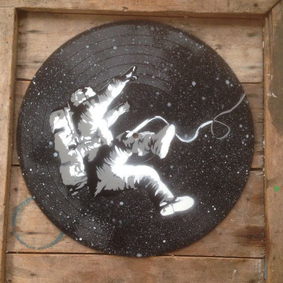 Falling astronaut - Spray paint wall art on vinyl, Hand cut stencil art - Black Space #spraypainting