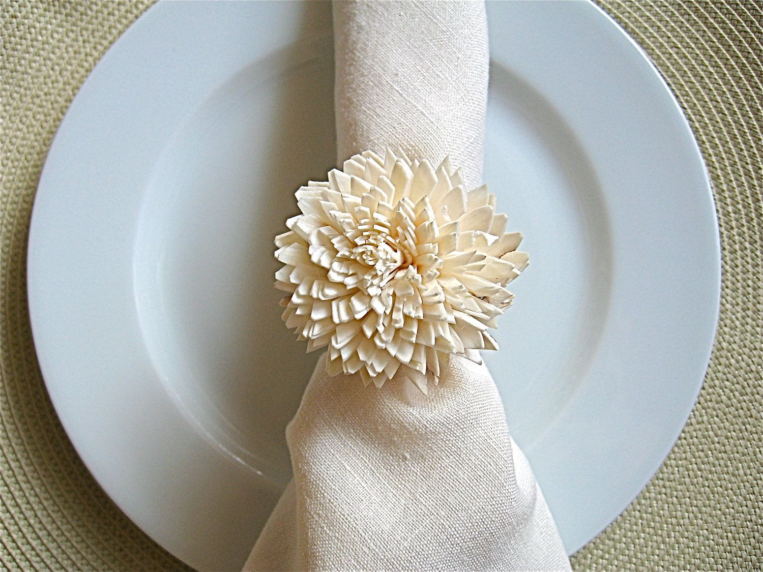 Napkin Rings | Wedding Reception Place Setting Napkin Ring | OneWed.com