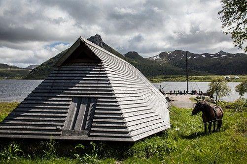 Naust og vikingskip Lofoten Foto Kjell Ove Storvik Lofotr Vikingmuseum