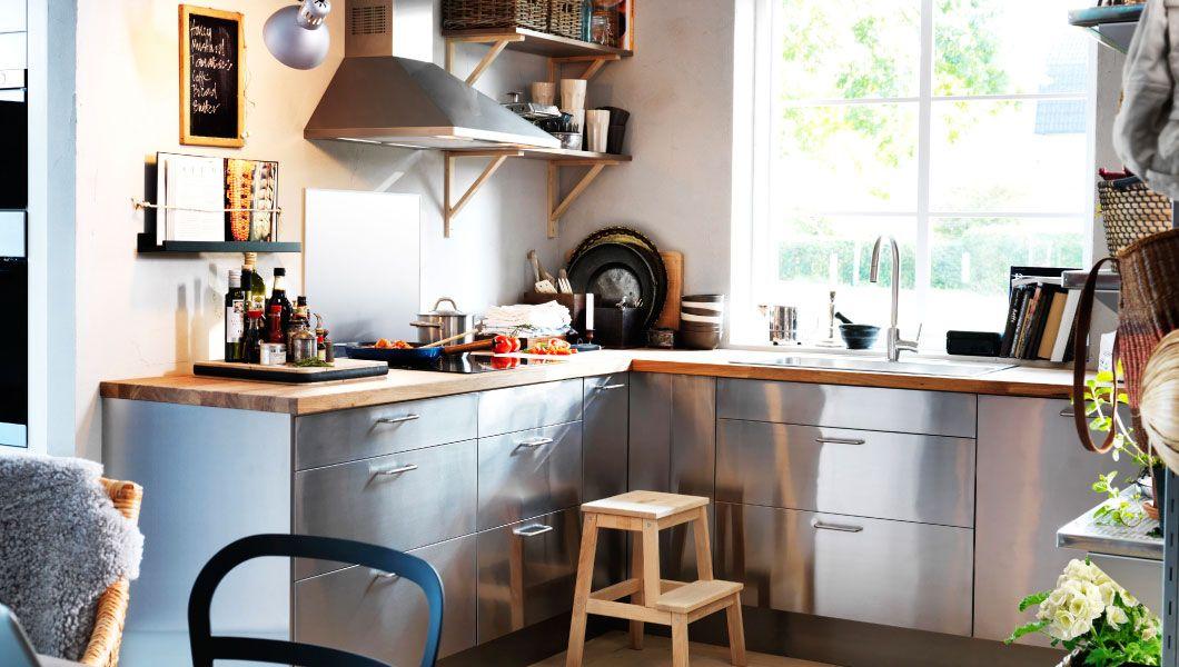 Umweltfreundliche Küche mit FAKTUM Eckunterschrank mit Karussell ...