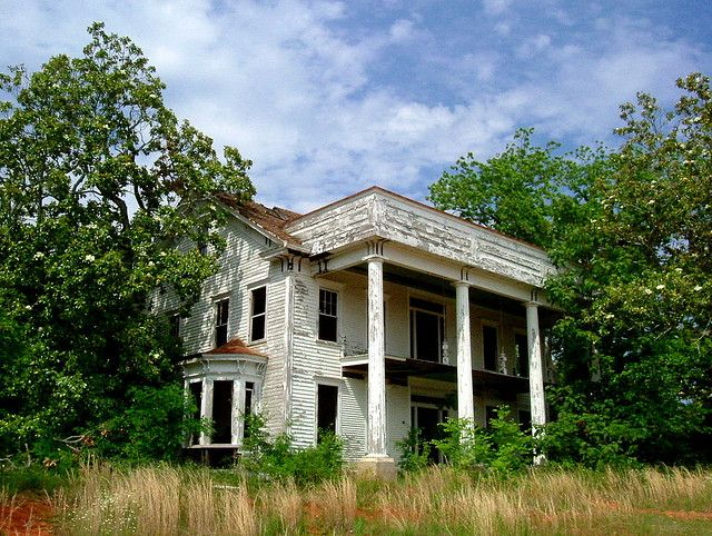 abandoned house by acg1000 on Flickr Abandoned houses