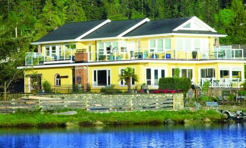 Birds of a Feather Victoria Oceanfront B and Vacation Rental,  British Colombia