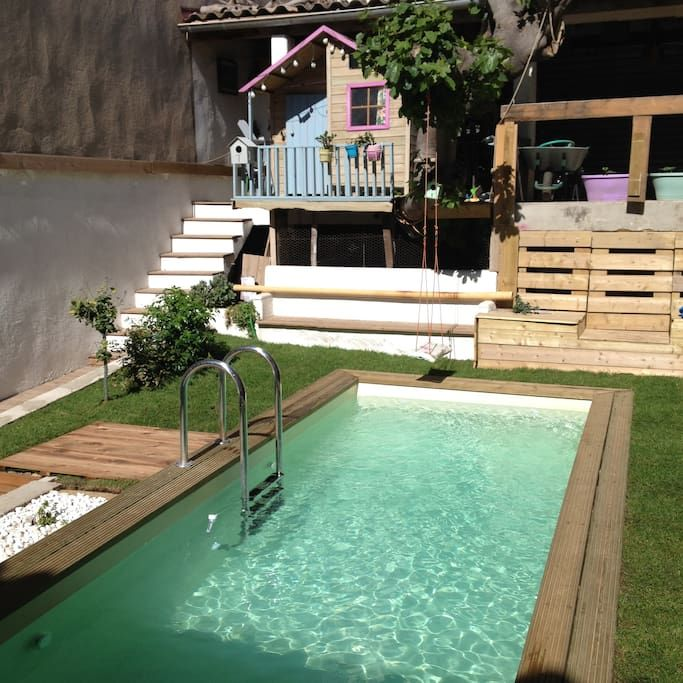 Regardez ce logement incroyable sur Airbnb  Charmante maison avec - maison de vacances a louer avec piscine