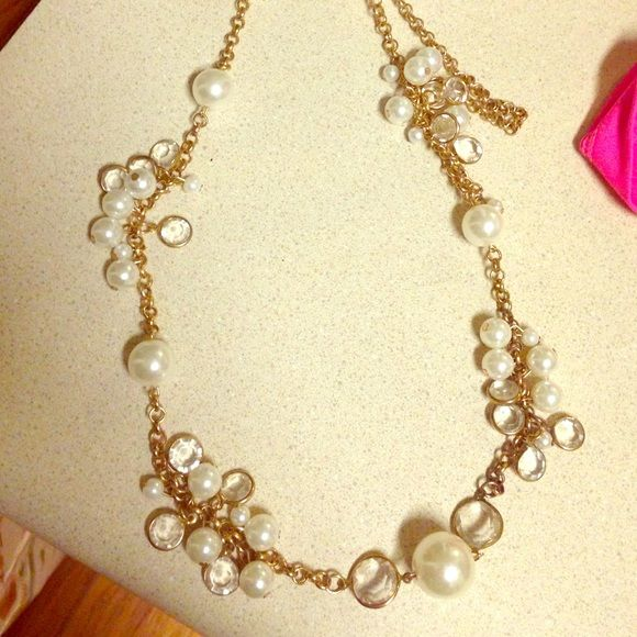 Pearl and Gold chain Necklace Pearl and gold chain necklace! Jewelry Necklaces