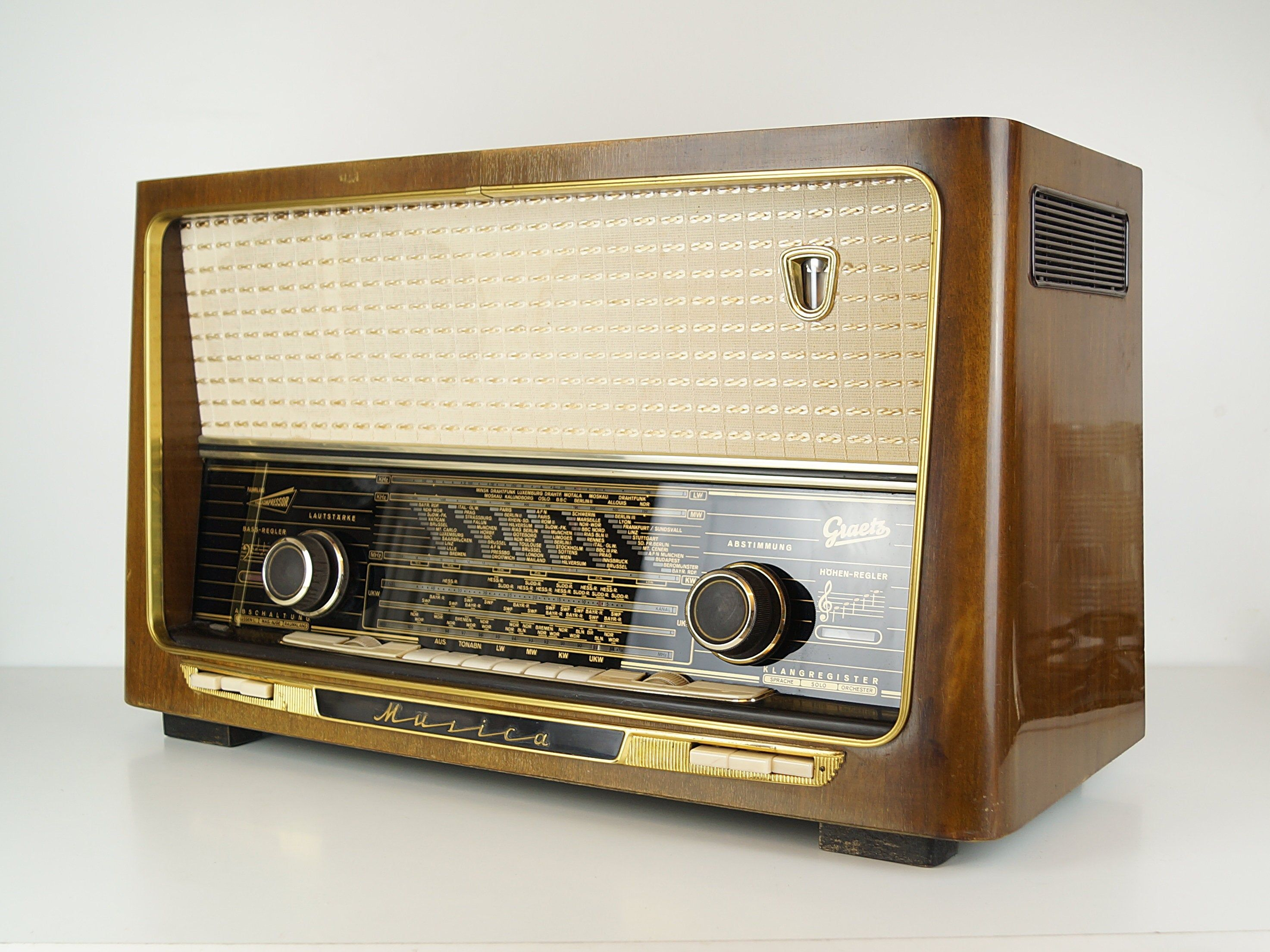 High Quality Tube Radio Graetz Musica W Germany 50s In 2020 Vintage Radio Antique Radio Old Radios