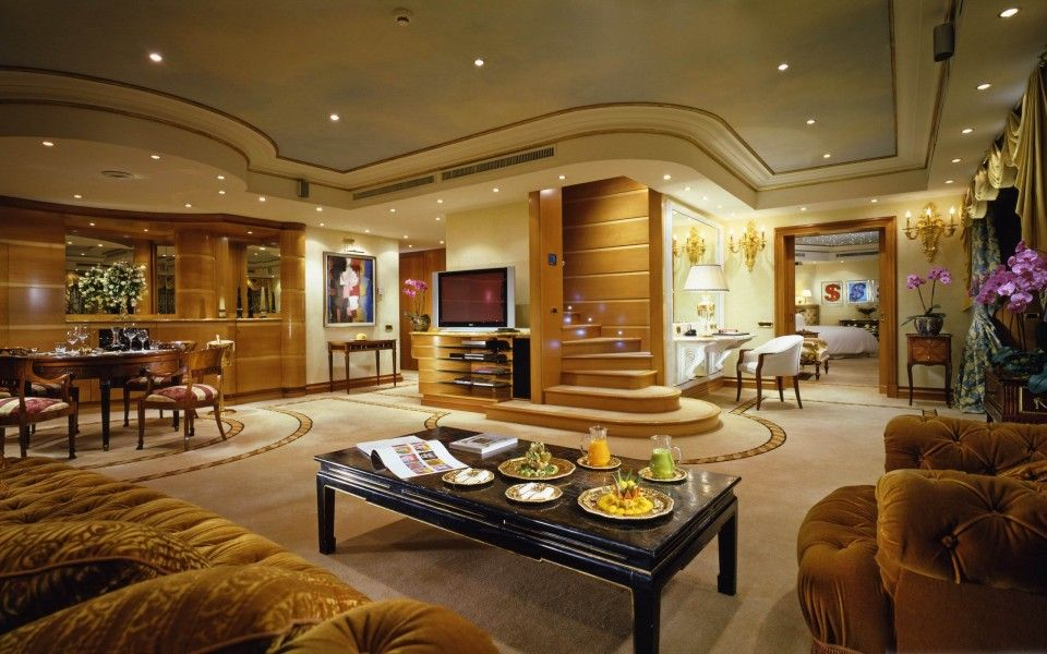 Fancy Sitting Rooms - Home Safe