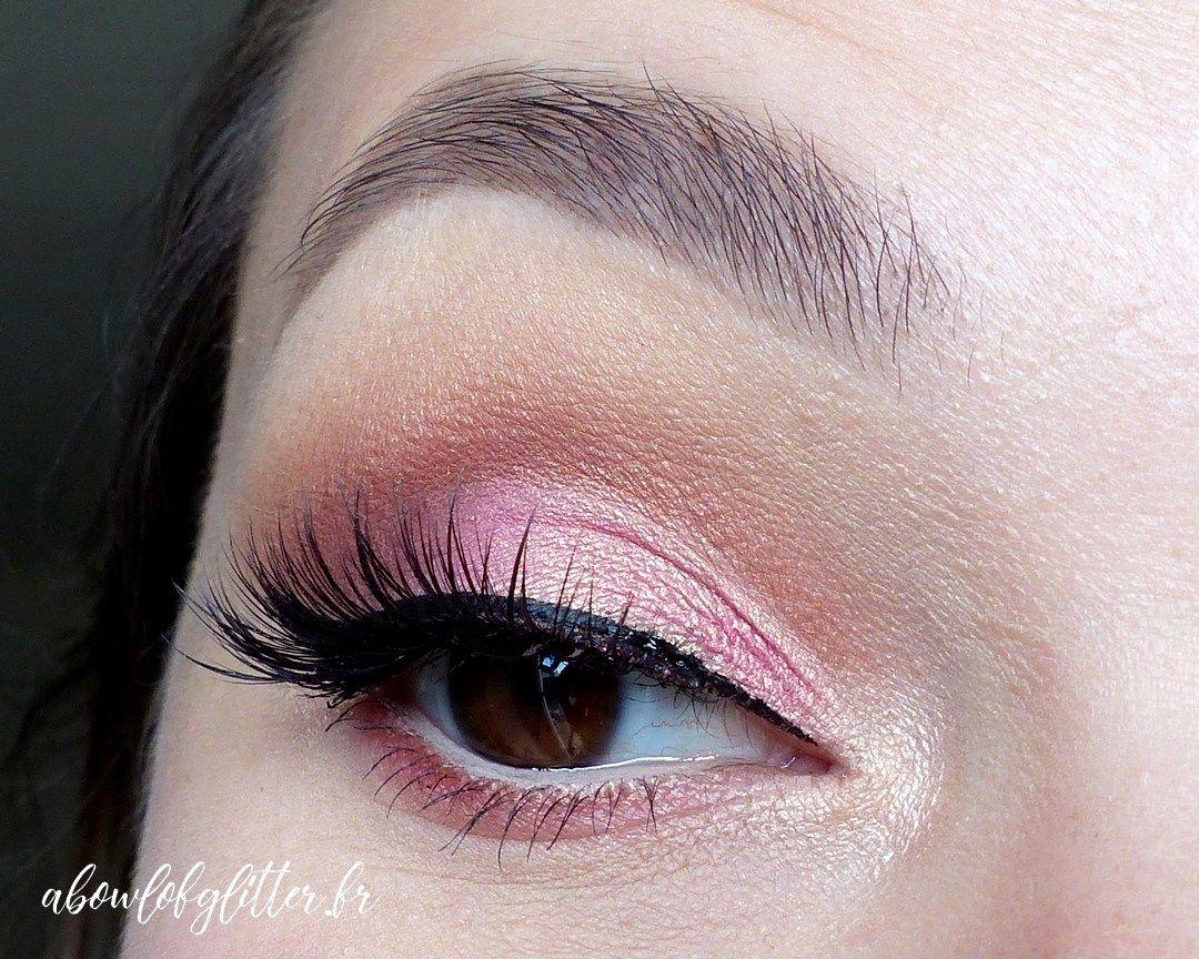 Etape par étape, un maquillage glamour cut crease rose avec la palette Rose  Gold Edition d\u0027Huda Beauty, marque que l\u0027on trouve chez Sephora !