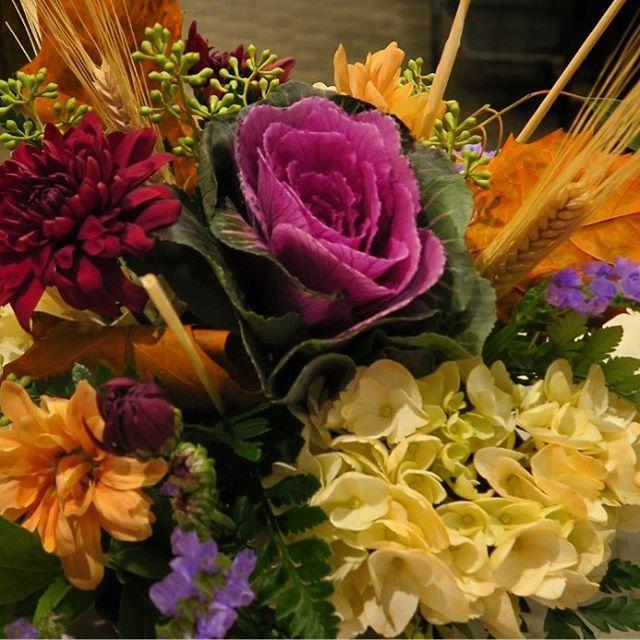 Enjoy these lovely fall flowers today #mmflowers