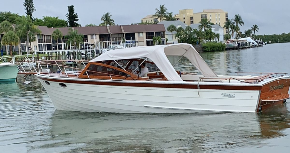 31 Windsor Craft For Sale Motor Yachts Unforgettable Curtis Stokes Yacht Brokers In 2020 Yacht Broker Boat Yacht For Sale