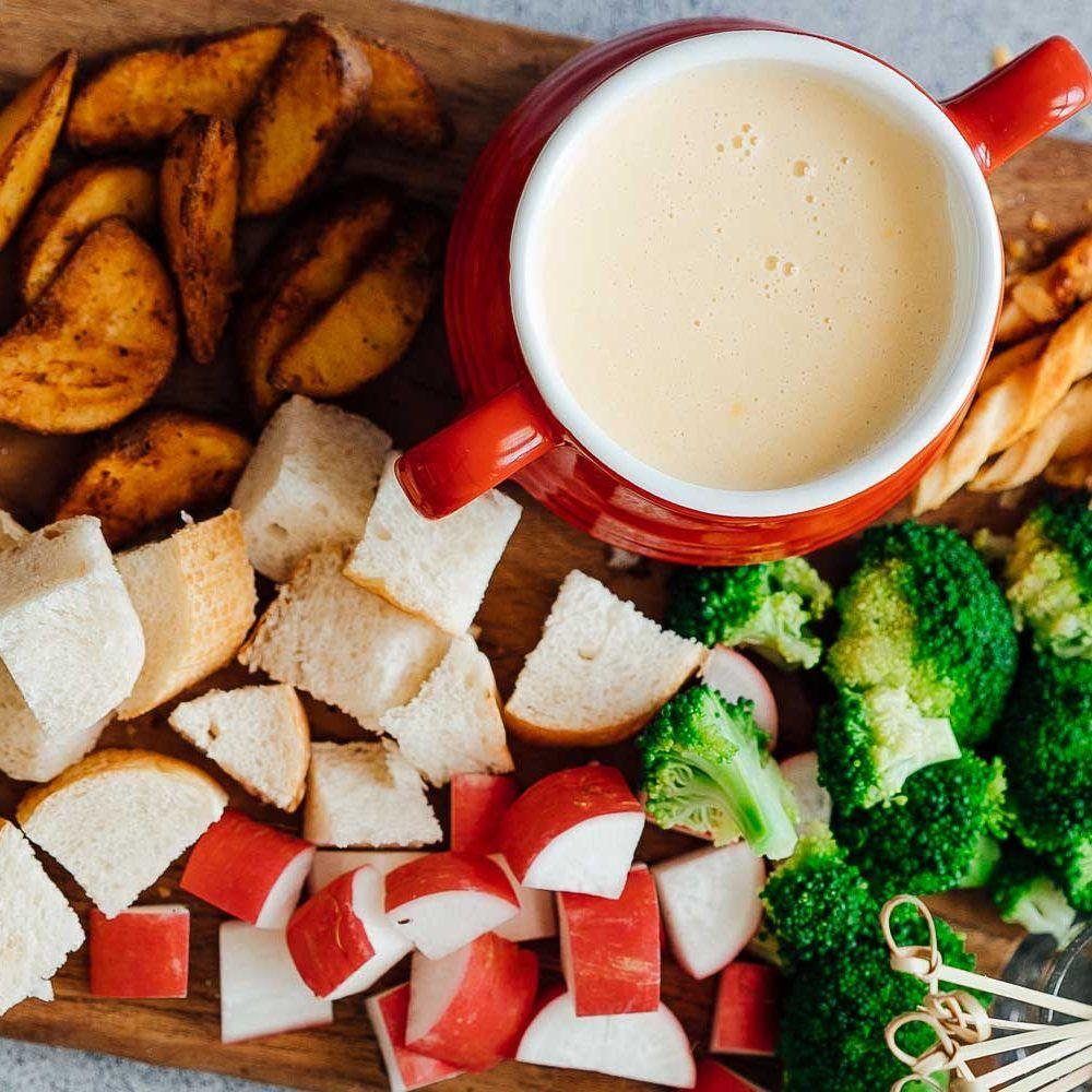 Easy Cheese Fondue Recipe With White Wine Recipe Fondue Recipes Cheese Fondue Recipes Cheese Fondue Recipe Easy