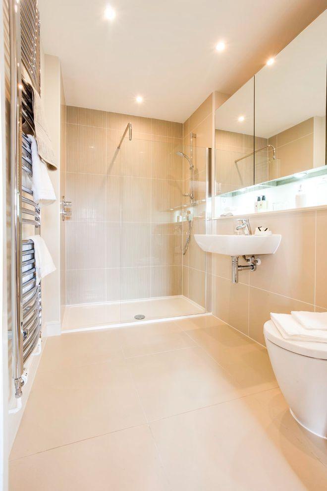 die besten 25 badezimmer m lleimer ideen auf pinterest strand thema k che zus tzlicher. Black Bedroom Furniture Sets. Home Design Ideas