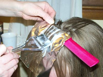 Do it yourself hair color weave or highlights look beautiful and do it yourself hair color weave or highlights look beautiful and save a lot of money detailed tutorial solutioingenieria Images