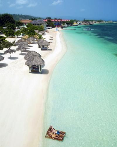 Cheapest Places To Travel Caribbean: 13 Affordable Honeymoon Destinations