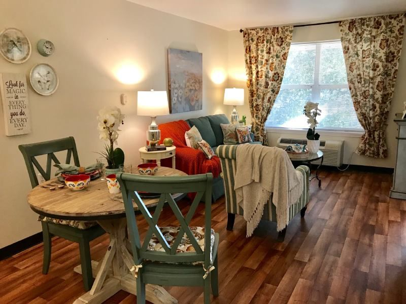 Acadia Estates Assisted Living And Memory Care Model Room Is Gorgeous Senior By Design Always Senior Living Communities Senior Assisted Living Assisted Living