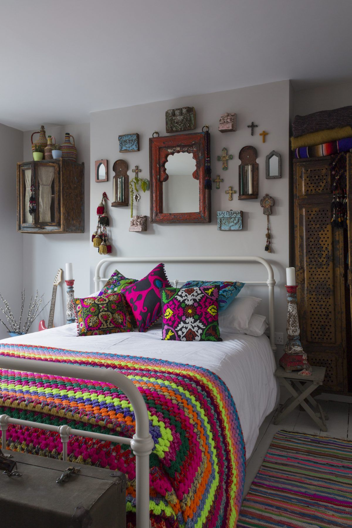 Eclectic Bedroom, The Interior Is Neutral With Colorful Decor. Are You  Looking For Unique