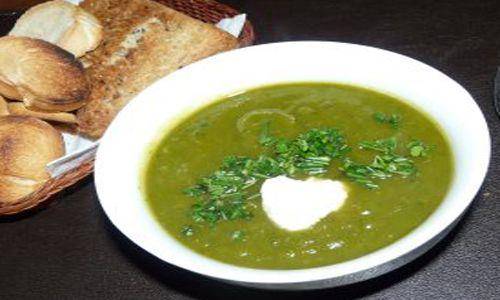 4 porciones. Esta es una sopa muy sencilla y nutritiva Preparación : 25 min.Cocción : 25 min.Tiempo total : 50 min. Ingredientes Pure de tomate, de preferencia casero Se necesitan Tres toma...