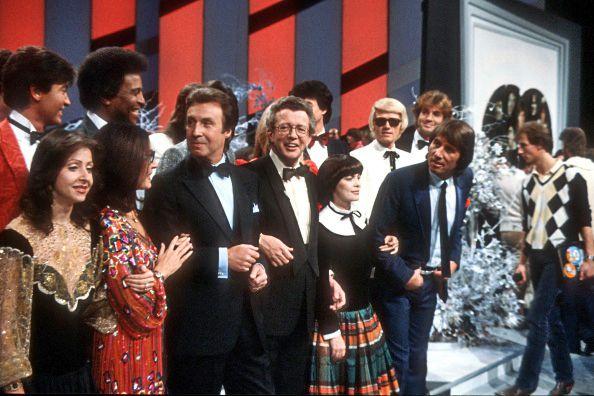Vicky Leandros, Nana Mouskouri, Peter Alexander, Dieter Thomas Heck, Mireille Mathieu, Heino, Udo Jürgens, ZDF-Show «Super-Hitparade 1981» in der Philippshalle in Düsseldorf, Deutschland, 01.12.1981