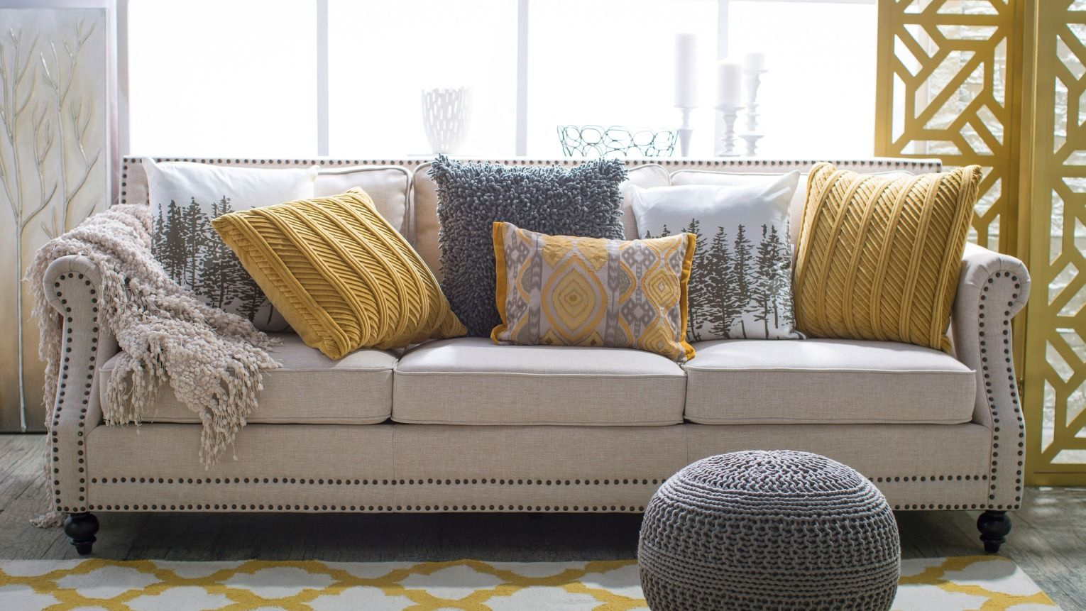 Best Spice Up Neutral Sofas With Accent Pillows Grey And 400 x 300