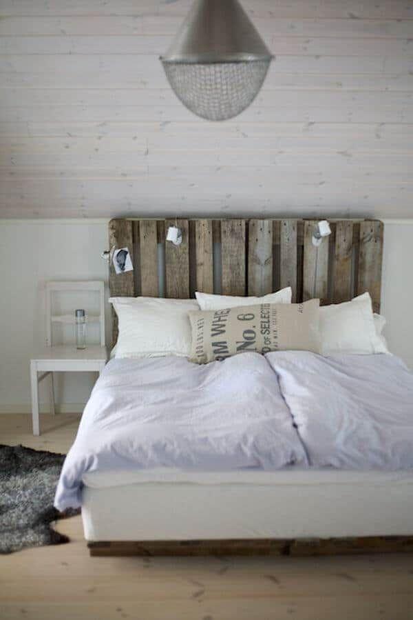 Rustikales DIY Bett: Kopfteil selbst bauen aus Paletten | Wohnideen ...