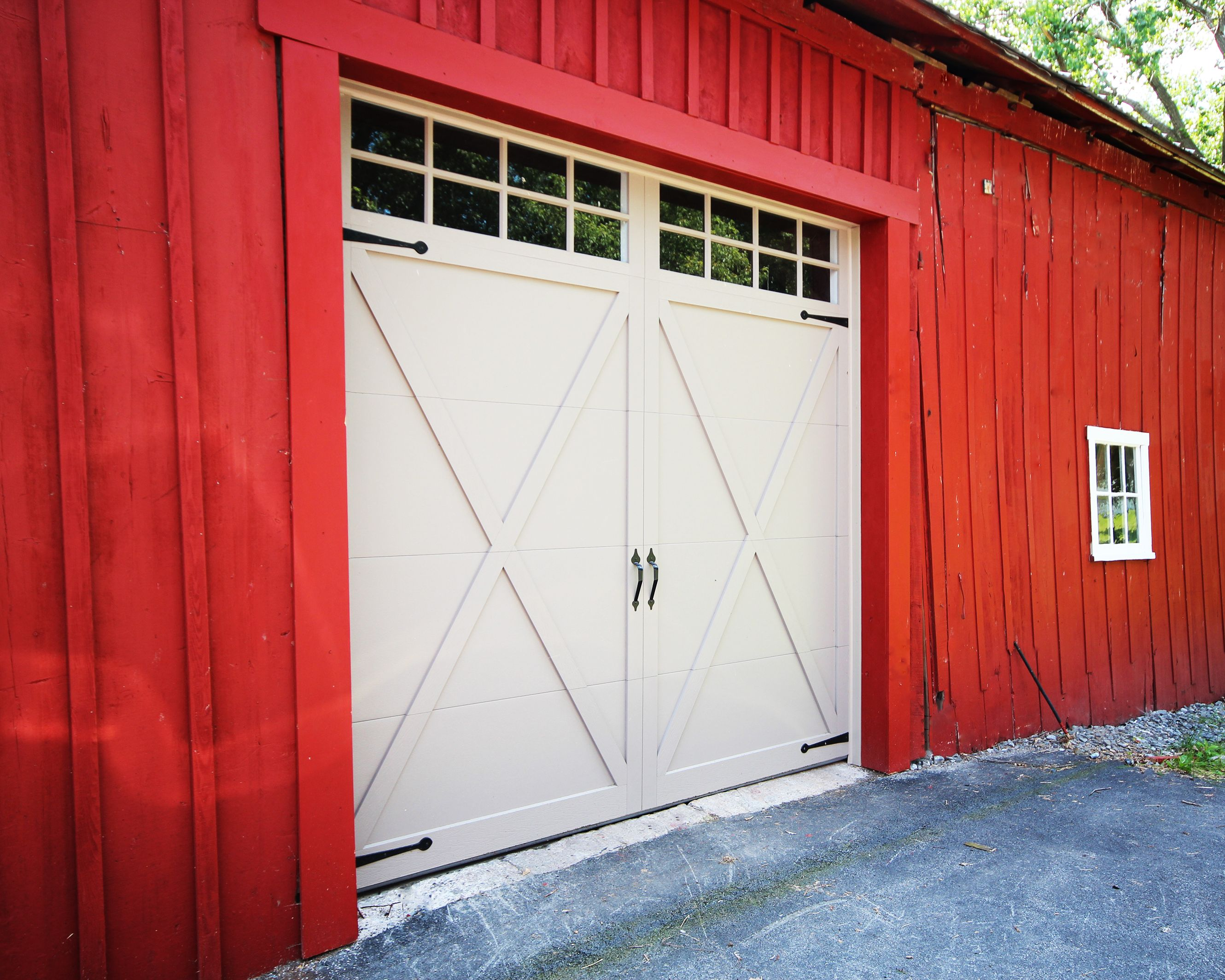 Pin By Jeff Smith On Barn Garage Ideas Garage Doors Carriage Garage Doors Garage