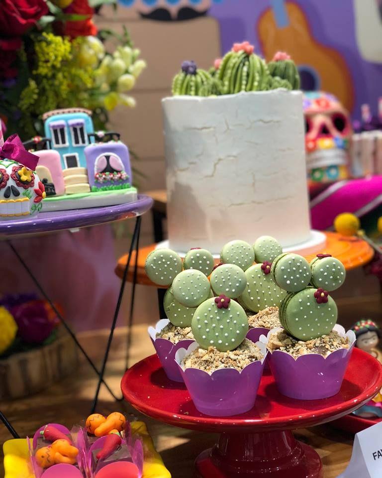 5d862aaf3cec3 Cactos para uma festa Mexicana! Peças de decoração Design Festeiro  disponíveis para aluguel na Grande