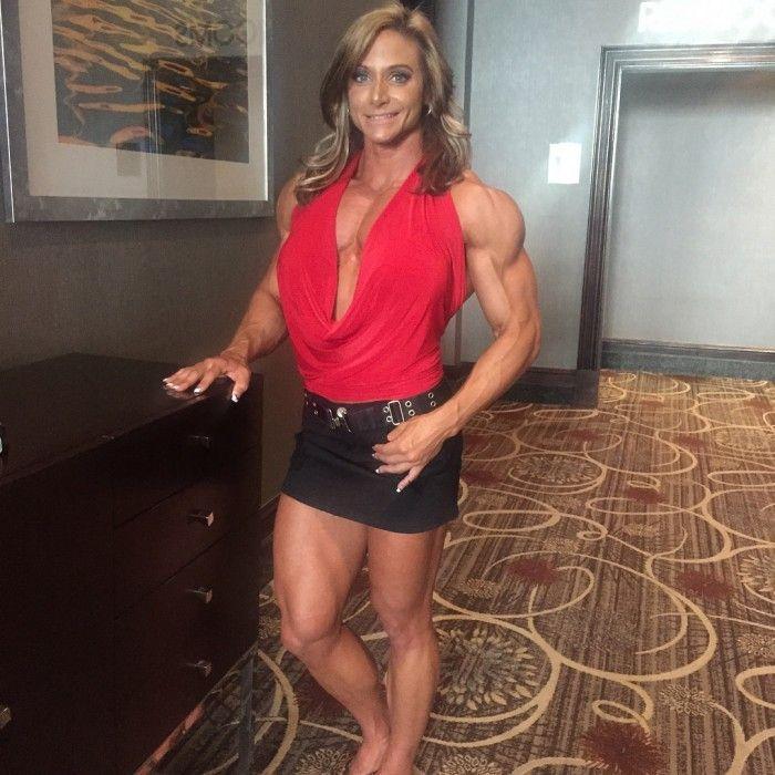 Pumpitups Female Muscle: Theresa Ivancik