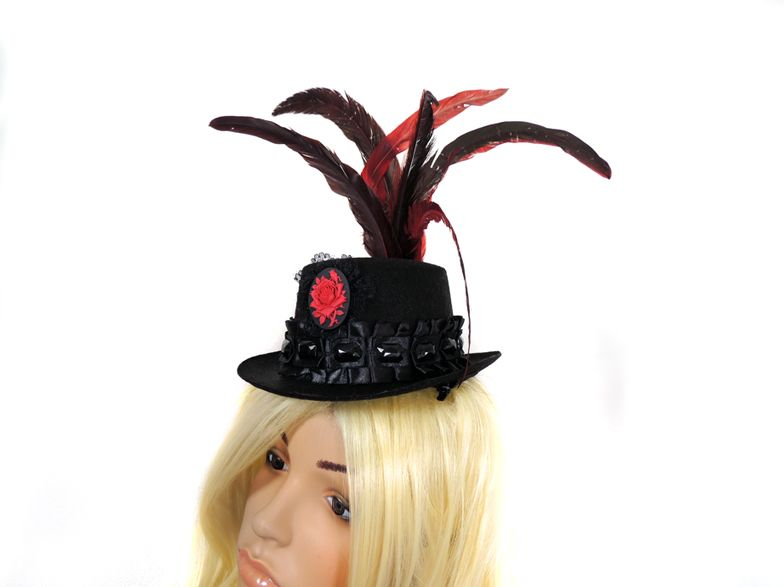Selfmade victorian Goth tophat with rose cameo & feathers. Available at my stores:  http://www.etsy.com/shop/NinielChan  www.deaddollsshop.de