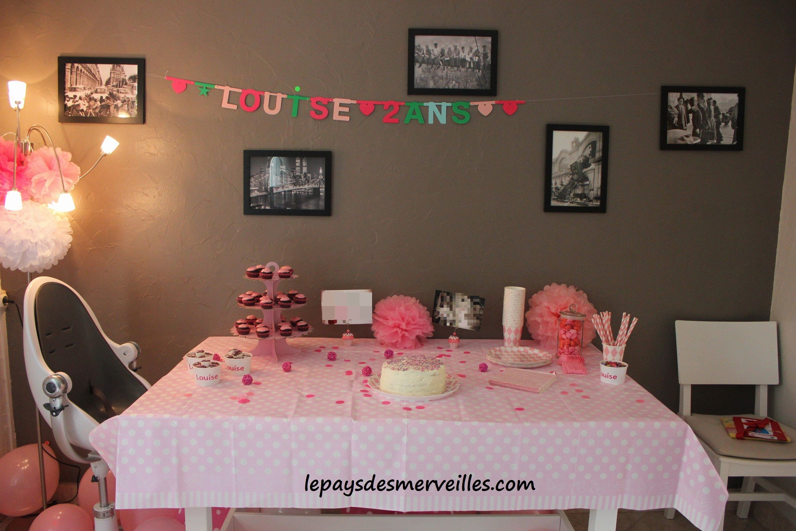 anniversaire 2 ans sur le th me de la couleur rose anniversaires anniversaire enfant et enfants. Black Bedroom Furniture Sets. Home Design Ideas