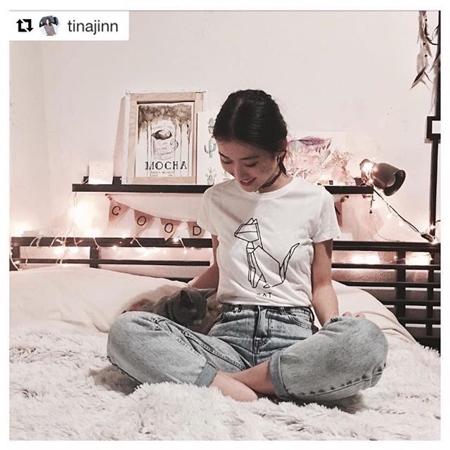 #catorigami #dshirt #animalorigami #origami #gatto #cat #etsyshop #gattone #micio #etsy#urbanfashion #urbanwear #girlsfashion #fashionblogger #outfitoftheday #urbanlife #trendy#girlstyle #streetsyle #fashionstyle #designedshirt #de_sign_ed_shirt #miao #kitten #feline #christmasgift