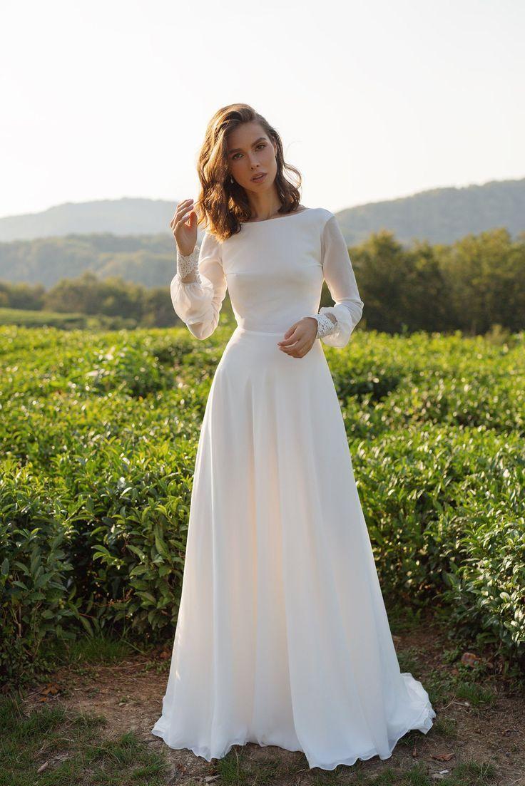 Robe de mariée en mousseline de soie ANASTEISHA, robe de mariée simple à manches longues avec dos ouvert   – Wedding Dresses