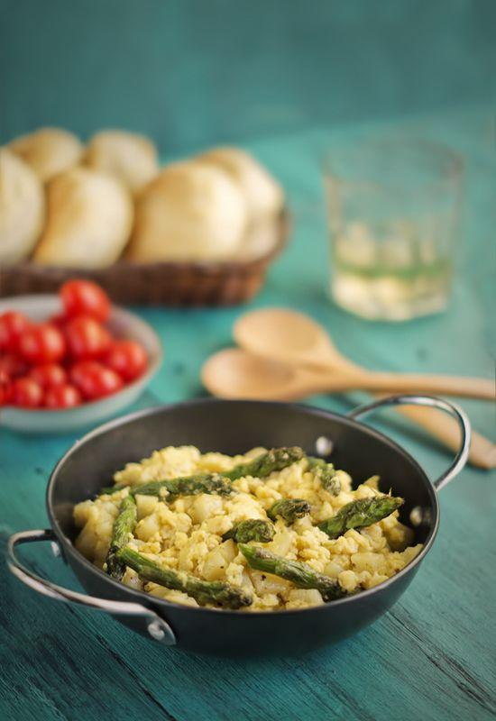 Receta 352: Puntas de espárragos revueltas con patatas y huevos ...