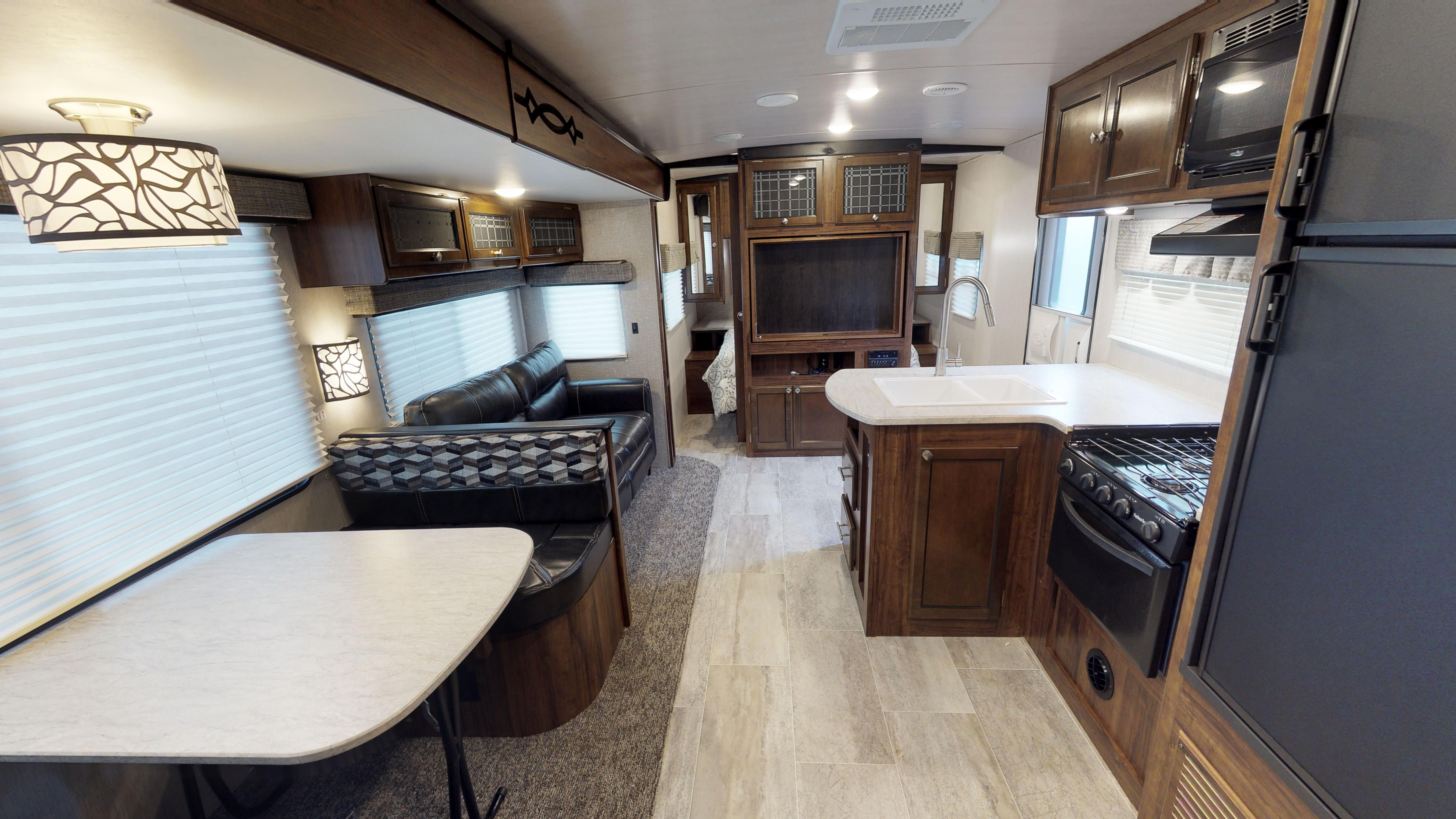 The Heartland Mallard M26 Travel Trailer Camp In Style And Stay