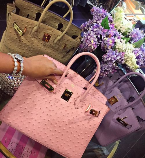 5676f7273b ostrich hermes birbin handbag fo women. Available with different color